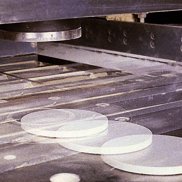 Production of magnesium oxide ceramic products